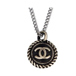 Collana Upcycled Bottone Vintage Chanel