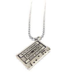 Necklace11 Collana cassetta musicale
